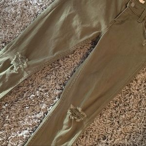 EUC Levi's Skinny Jeans. Olive Green And Trendy!